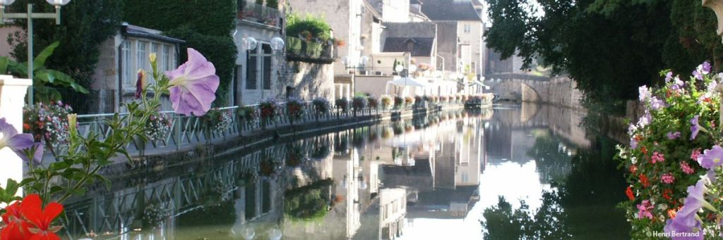 France Cruises Canal